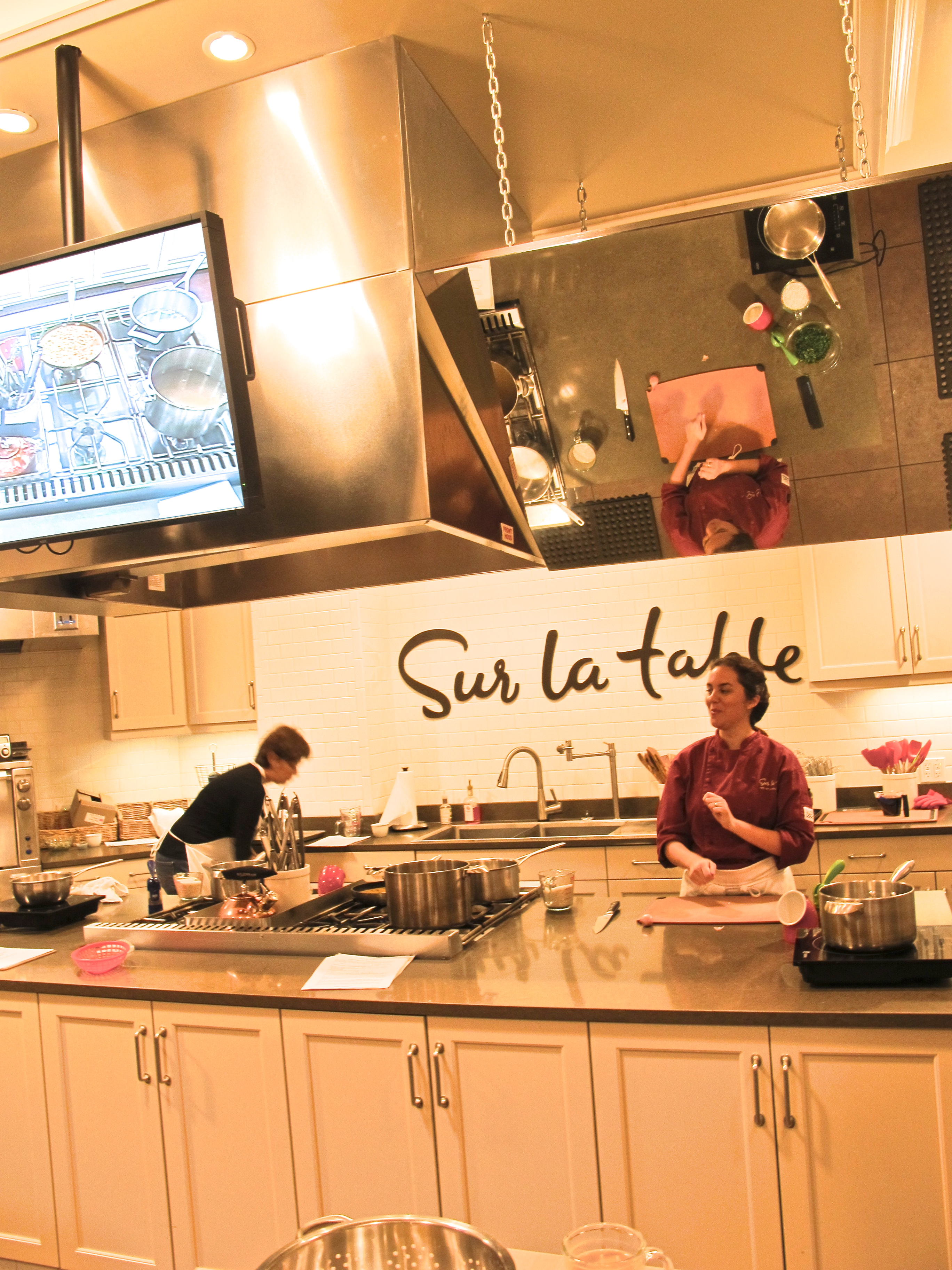 cooking class kitchen table cooking school SUR LA TABLE COOKING CLASS