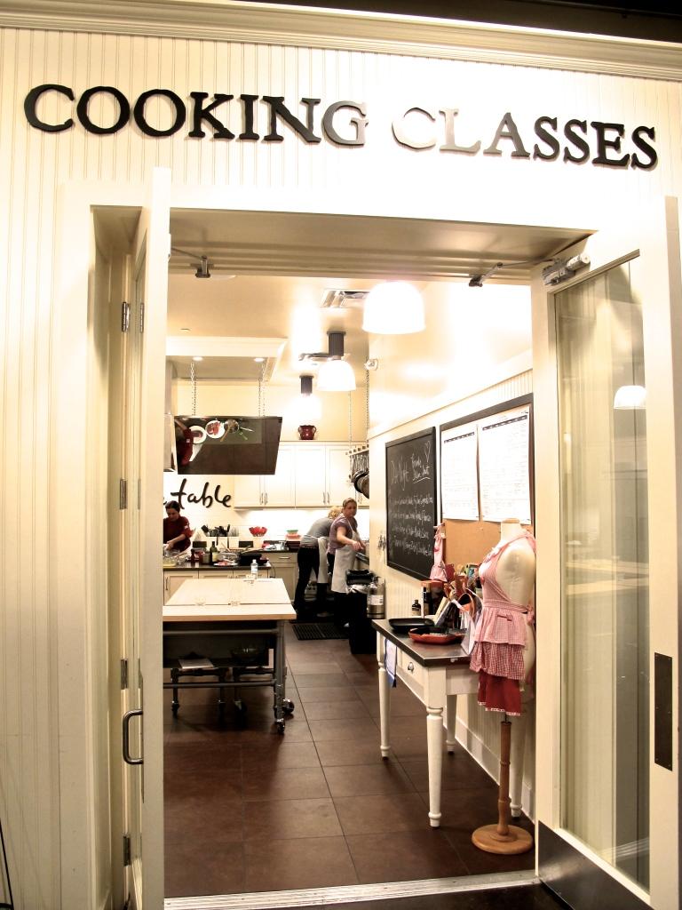 SUR LA TABLE // COOKING CLASS