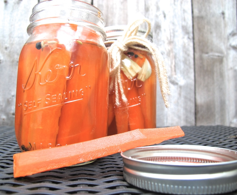 QUICK PICKLED CARROTS // hourglass&bloom